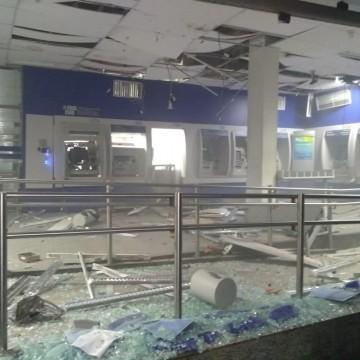 Bandidos explodem terminais eletrônicos da Caixa em Limoeiro