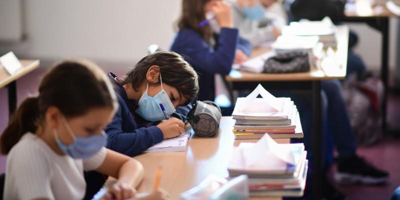 Pelo PNE, Brasil deve zerar taxa de analfabetismo até 2024