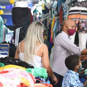 Economia: recuperação do varejo em Pernambuco, previsão de inflação alta até o final do ano e auxílio emergencial