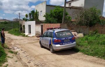 Travesti é assassinada a tiros no bairro Demóstenes Veras, em Caruaru