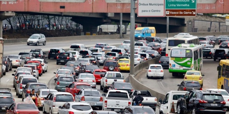 Nesta semana, Jair Bolsonaro afirmou que vai zerar os tributos federais dos combustíveis se os governadores aceitarem zerar o imposto estadual