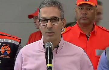 Governador de MG admite dificuldades para pagar o 13º
