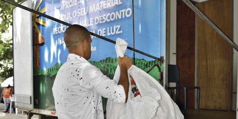 Resíduo passou a ser recebido pelo 'Projeto Vale Luz' da Celpe