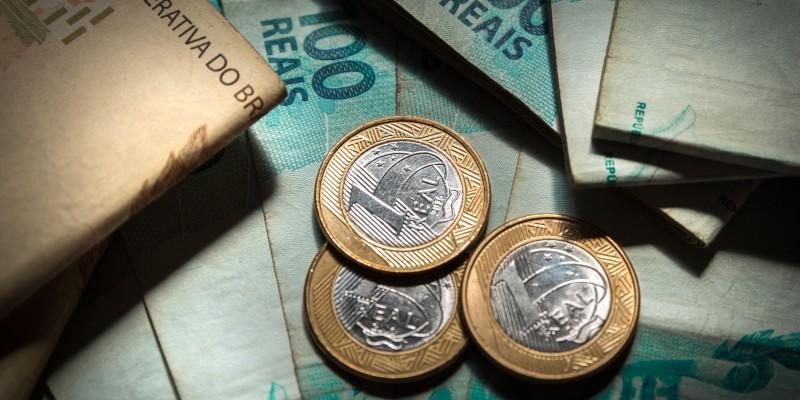 Black Friday movimenta comércio, Bolsa de valores volta nível pré-pandemia e Inflação será desafio para 2021