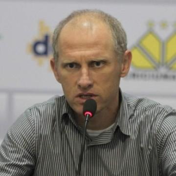 Sílvio Criciúma é anunciado como novo técnico do Central
