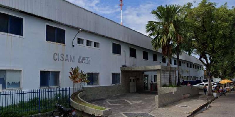 Natural de São Mateus-ES, a menina deu entrada em um hospital de referência da capital pernambucana no domingo (16)