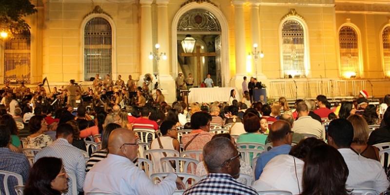 A celebração acontece na próxima terça-feira (24), a programação inicia às 19 horas da noite, com a apresentação de uma Cantata Natalina