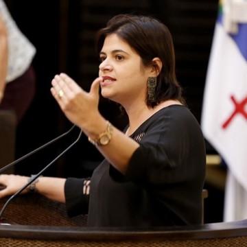 """""""O maior devedor da Compesa é o governo do estado"""", afirma Priscila Krause"""