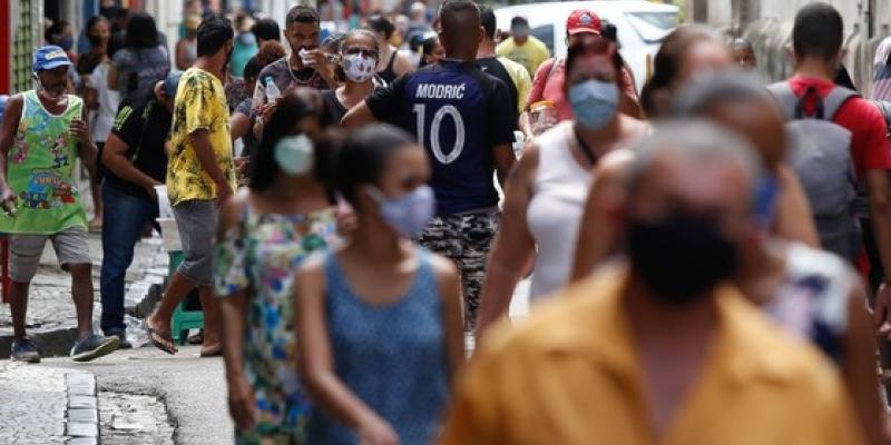 Secretário estadual de Saúde, André Longo, diz que crescimento de casos no Agreste tem puxado para cima o resultado estadual. Aumento da testagem rápida também tem implicação no aumento
