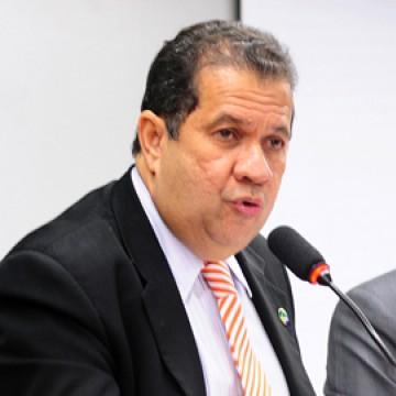 Carlos Lupi cumpre agenda em Paulista