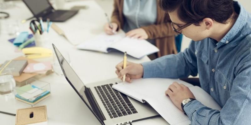 As vagas são atualizadas diariamente e, por isso, recomenda-se que o estudante esteja sempre atento às oportunidades.