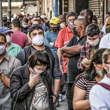 Aumento de casos da covid-19: uso de máscaras e álcool em gel deve virar hábito