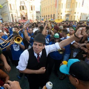 Recife tem programação intensa neste fim de semana para celebrar o dia do frevo