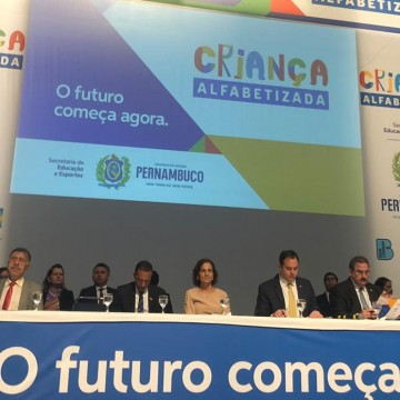 Pernambuco realiza primeiro seminário do programa criança alfabetizada