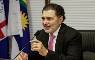 Deputado pede à Compesa abastecimento comunitário para Caruaru