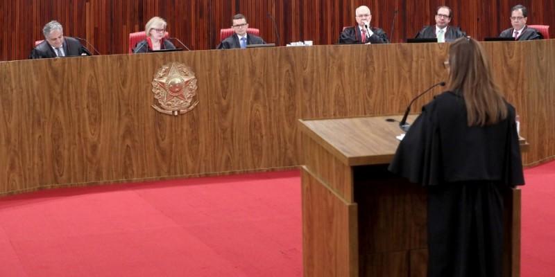 A pena de prisão para o crime varia de dois a quatro anos, além do responsável ter que pagar entre 15 a 50 mil reais de multa