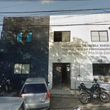 Dupla é presa com drogas e arma dentro de viatura descaracterizada da Polícia Civil no Recife
