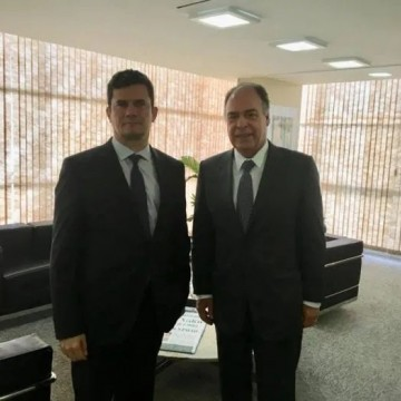 Moro deixa o Governo Bolsonaro. FBC fica
