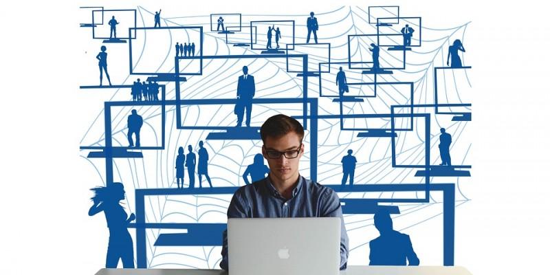 Diante da alta taxa de desemprego, calculada em 12,5%, segundo dados do Instituto Brasileiro de Geografia e Estatística (IBGE),os brasileiros vem investindo cada vez mais no empreendedorismo