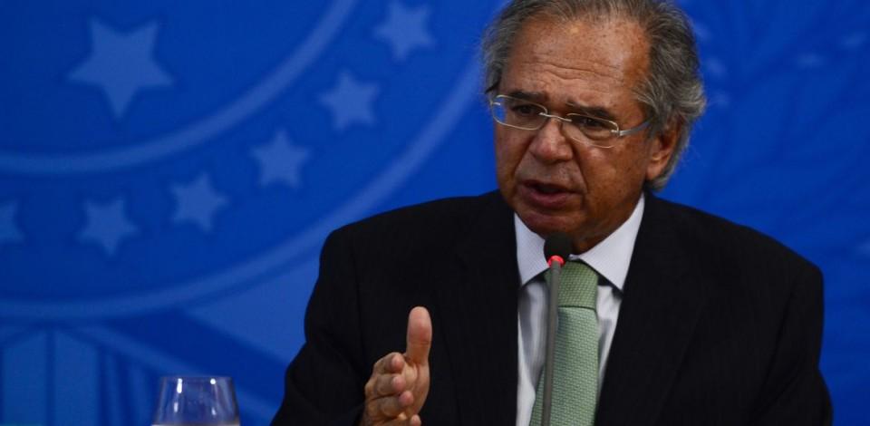 Renda Brasil estuda tirar dinheiro do andar de cima, diz Guedes