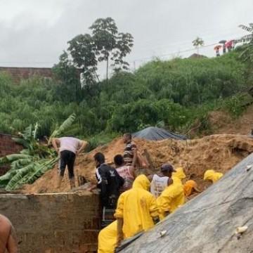 Deslizamentos deixam duas pessoas mortas e sete desaparecidas na RMR