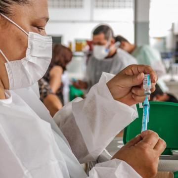 Mais de 90% dos agentes da limpeza urbana foram vacinados em Caruaru