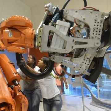 Brasil terá de qualificar 10,5 milhões de trabalhadores em ocupações industriais