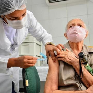 Camaragibe inicia vacinação de idosos a partir dos 80 anos