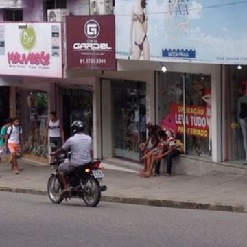 Após quase 4 meses de fechamento, comércio de Caruaru segue na segunda fase da retomada