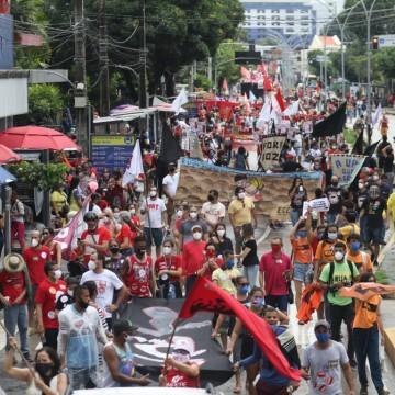 Ato contra o presidente Bolsonaro e a favor da vacina é realizado neste sábado (19) no Recife