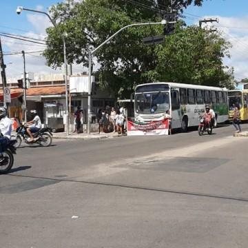 Protesto de rodoviários fecha terminal em Olinda