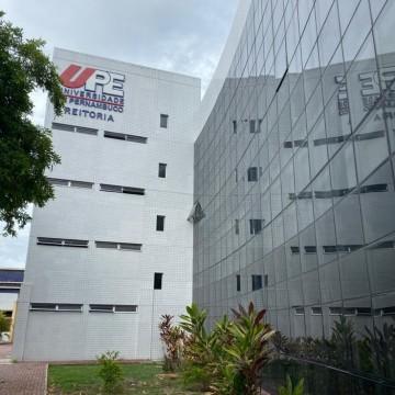 Seleção simplificada contrata professores para UPE