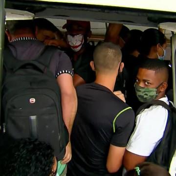 Ônibus cheios e atraso no metrô na 3ª etapa da retomada de serviços