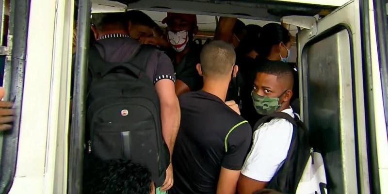 Aglomeração e coletivos lotados na nova etapa da volta do comércio no Grande Recife