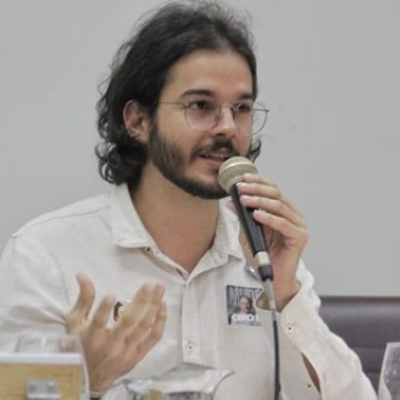 Adriana Rocha troca a rede pelo PDT