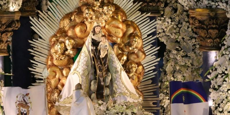 Devido à pandemia do novo coronavírus, a quantidade do público dentro da Basílica está reduzida e ocorrendo menos missas diárias celebradas