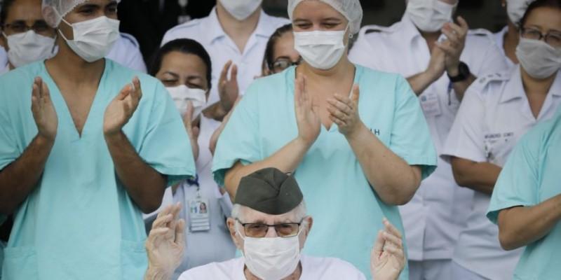 Percentual revela que mais de 70 mil infectados já tiveram cura clínica confirmada