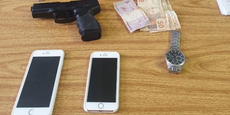De acordo com a Polícia Civil a prisão foi possível graças ao rastreamento por GPS dos celulares roubados