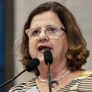 Teresa Leitão defende criação de comissão setorial para acompanhar retorno das aulas presenciais