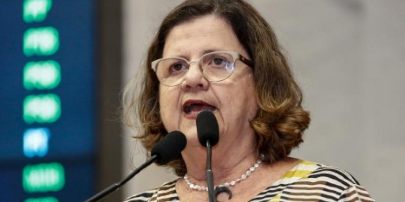 A deputada aponta que o objetivo  é de fiscalizar a observância dos protocolos sanitários, a fim de garantir segurança para que não haja contaminação dos envolvidos: alunos, professores e funcionários