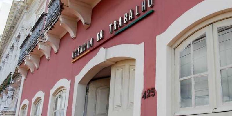 A medida foi anunciada pelo governo de Pernambuco em razão da suspensão do ponto facultativo no feriado.