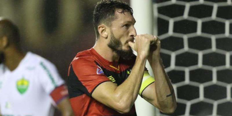 Lateral-esquerdo e capitão rubro-negro teve seu contrato renovado até dezembro de 2022