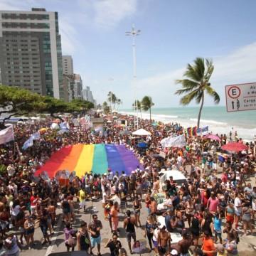 """18ª edição da """"Parada da Diversidade"""" é realizada neste domingo (15)"""