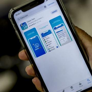Caixa econômica oferece crédito de R$ 300 a R$ 1 mil pelo celular