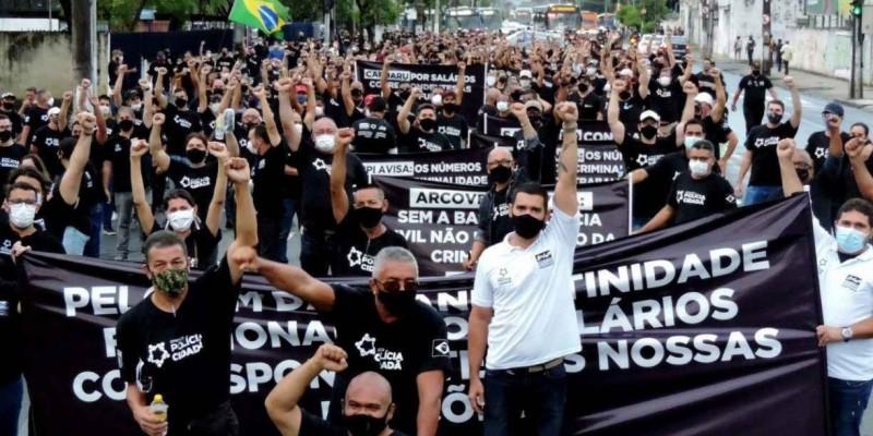 Atendendo a ação movida pela Procuradoria Geral do Estado de Pernambuco (PGE-PE), uma liminar foi emitida na noite dessa terça-feira (14) para impedir a deflagração do movimento paredista.