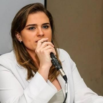 PT estreita relações com Marília Arraes