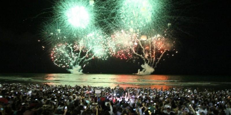 Um levantamento da SPC Brasil revelou que mais da metade dos consumidores brasileiros, 54%, pretendem comprar alguma peça de roupa, sapatos ou acessórios para festejar a chegada de 2020