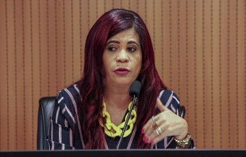 Deputada assinala os 13 anos de aprovação da lei Maria da Penha
