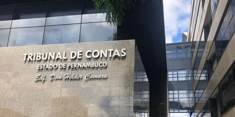 O alerta emitido pela conselheira Teresa Duere diz respeito a um contrato sem licitação para operacionalização do Hospital de Campanha da cidade, localizado na Estrada da batalha