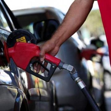 Oposição critica posicionamento de Paulo Câmara na discussão do ICMS sobre combustível